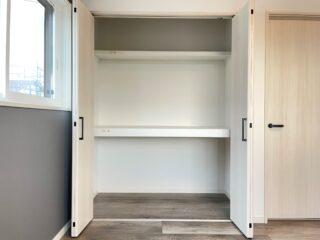 大垈15主寝室収納 (3)
